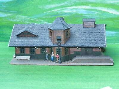 Life Like Pola Quick kit built station building - ho gauge