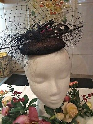 Ladies Stunning Formal/Race Day/Cocktail Pillbox Fascinator  Brand New With Tag