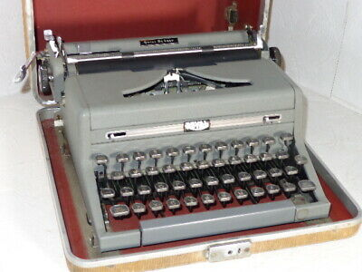Vintage Royal Quiet Deluxe Portable Typewriter With Tombstone Keys
