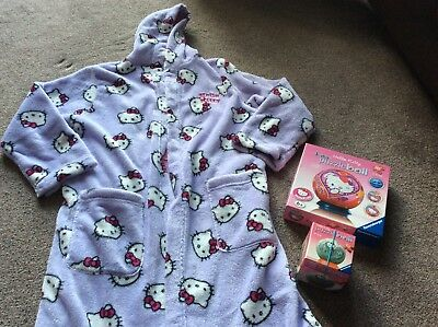 *Gorgeous* M&S Hello Kitty Fleece Dressing Gown - T-Shirt - Two Puzzle Balls