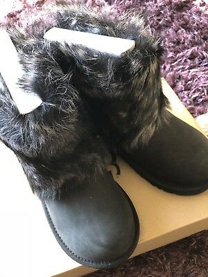 New Boxed Ugg Australia K Ellee Girl's Boots UK size 1 EU32 US 2