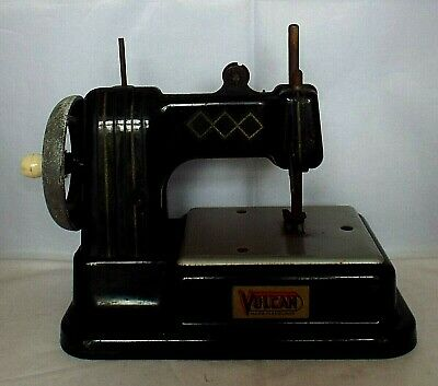 EARLY VINTAGE VULCAN MINIATURE SEWING MACHINE 1940'S Made in England