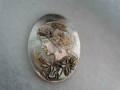 ELEGANT LARGE MOTHER OF PEARL CAMEO RAISED CUT LADY BUTTON 1-9/16 tall
