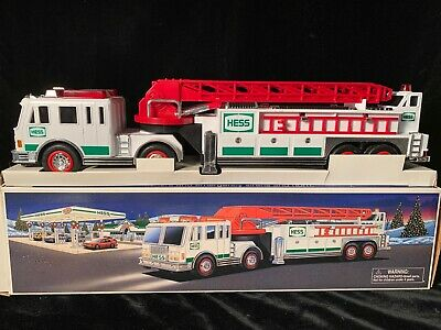 hess fire truck and ladder rescue 2000