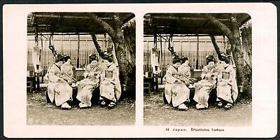 P221 Stereo view Japan Offentliches Teehaus - public tea house - Geishas 1925