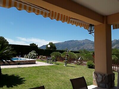 Property in Spain - Large country house with stunning surroundings.