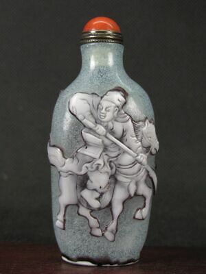 Excellent Chinese Two General Carved Peking Overlay Glass Snuff Bottle