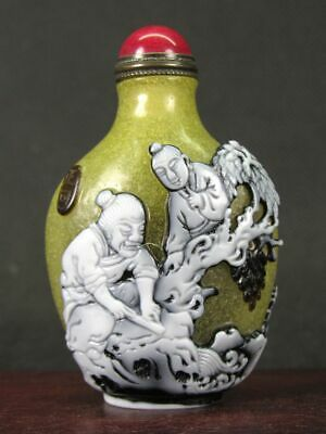 Excellent Chinese Elder Boy Carved Peking Overlay Glass Snuff Bottle