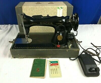Vintage Singer 15-91 Vintage Sewing Machine - Foot Pedal and Original manual