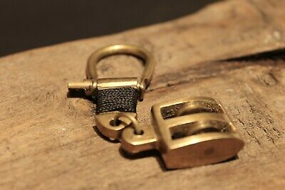 Vintage Antique Style Brass Nautical Sailing Pulley Boat Ship Key Keychain