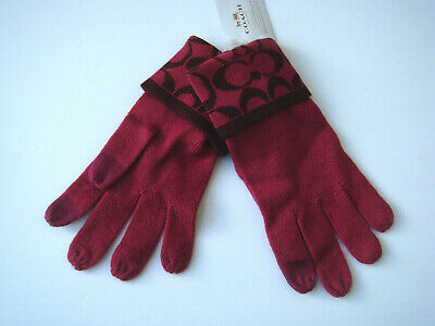 NWT COACH Logo touch knit Gloves Raspberry sherry $58