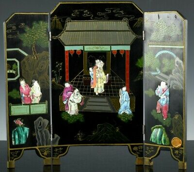 Fine Antique Chinese Famille Rose Porcelain Figures & Lacquer Table Screen