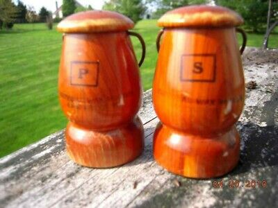 vintage NAT WAX MUSEUM SALT/PEPPER SHAKERS lancaster pa