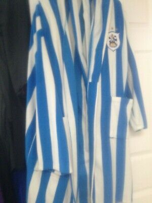 childs  huddersfiled town dressing gown  age 13  to  14 years