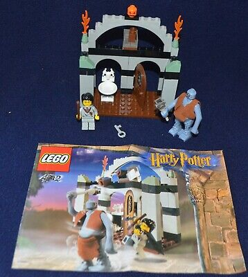 Lego 4712 Harry Potter Philosophers Stone Troll on the Loose 100% Complete Set