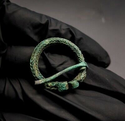 Medieval Viking Era Ca.700-900 Ad Bronze Colied Omega Brooch