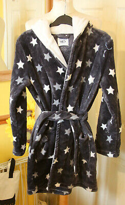 New Look Girls Grey Star Furry  Fleece Gown   size M age 13+  Hardly Worn