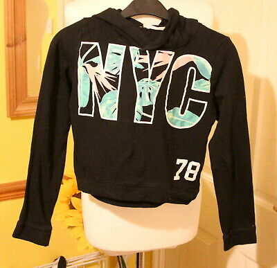 H&M Girls Black NYC 78 Sport  Cropped Jumper Top 10-12   years