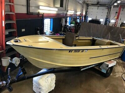 18' Starcraft Holiday Aluminum 120HP In/Outboard Mercruiser w/Trailer T1292465