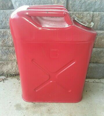Blitz Red Metal Gasoline Gas Jerry Can