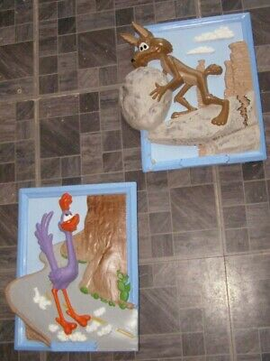 Looney Tunes Road Runner & Wile E Coyote Ceramic Decorative Wall Plaques