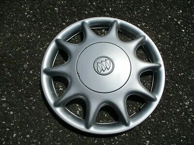 One genuine 2004 2005 Buick Century bolt on hubcap wheel cover silver emblem