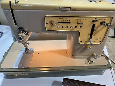 Singer Zig-Zag 457 Stylist Electric Sewing Machine from 1969 in Cabinet, Working