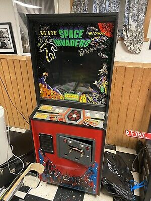 Space Invaders Arcade Machine