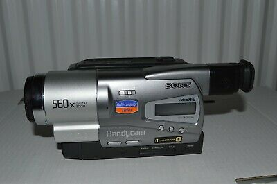 Sony CCD-TR728E Camcorder Hi8 with Remote Control and Case