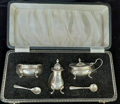 Lovely  CASED SOLID SILVER CRUET CONDIMENT SET Sheffield 1942