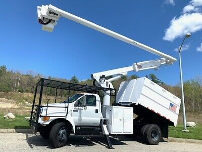 2010 Ford F750 Altec Insulated 61' Wk Ht O/Ctr Chip Dump Bucket Truck  60K