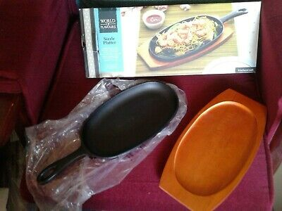 2TWO large WORLD OF FLAVOURS ORIENTAL CAST IRON SIZZLE PLATTERS + wooden stand