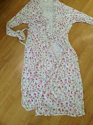 Ladies summer dressing gown size 20-22 very pretty!