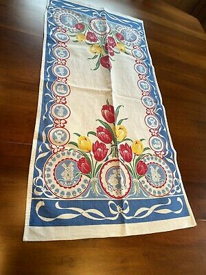 Dutch Motif Table Runner