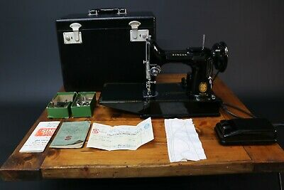 Singer 221K Featherweight Sewing Machine 1955 Case + Accessories Fully Working