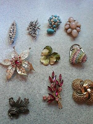 Lovely Collection Of 10 Vintage Brooches