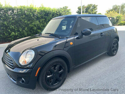 2009 MINI Cooper Hardtop 2 Door Sport MINI Cooper 6-Speed Low Miles Garage Kept Fully Loaded Sunroof Stereo