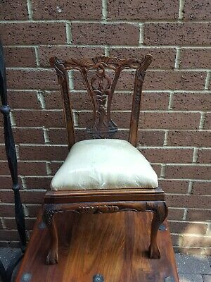 Small dexorative kids antique oak chair curved with soft base