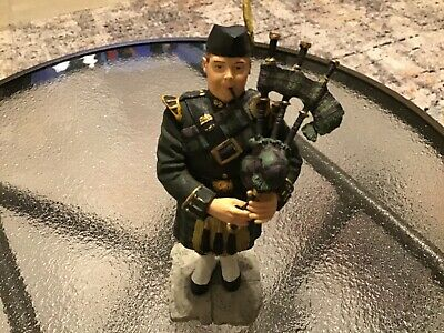 Vintage Collectible Sculptures UK Scottish Bagpiper