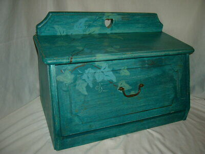 Vtg Hand Painted  Wood  Bread Box Ivory leaves green