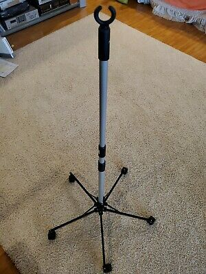 Sci Pitch it IV pole collapsible and portable-expands approximately 6'