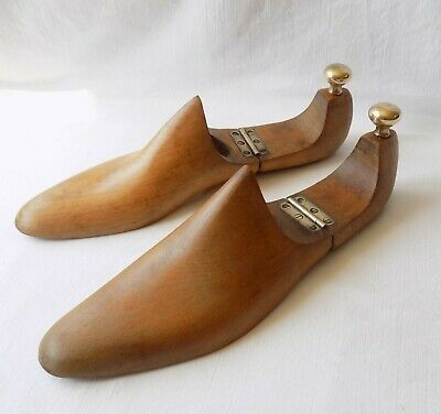 Pair Vintage Wooden Shoe Forms, Lasts, Trees. Hinged. Brass Fittings. Maple Wood