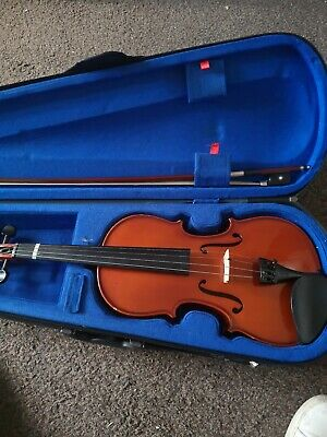 Stentor Student 2 Full Size 4/4 Violin with hard carry Case & Bow bargain.