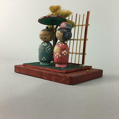 Japanese Kokeshi Doll Vtg Wood Carving Figurine Couple Parasol KF48