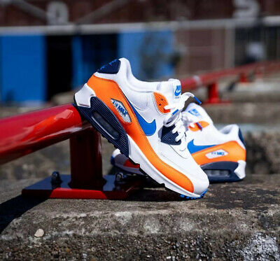 NIKE AIR MAX 90 Essential Total Orange White Size 7 Uk 41 Eu
