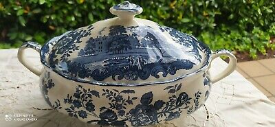 Large Palissy soup tureen hand engraved