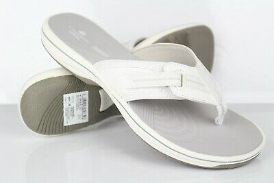 Clarks Cloudsteppers Women's Brinkley Jazz Flip Flop Sandals White Synthetic