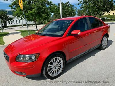 2006 Volvo S40 2.5L Turbo Automatic w/Sunroof Volvo S40 T5 Low Miles Clean Carfax Garage Kept Dealer Maintained Fully Loaded!