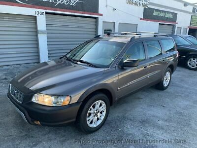 2005 Volvo XC70 2.5L Turbo AWD w/Sunroof Volvo XC70 AWD 2.5 Turbo Cross Country One Owner Garage Kept Clean Carfax Loaded