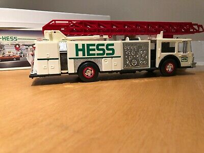 1989 Hess Toy Fire Truck Dual Sound Siren in Box